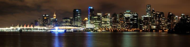 Vancouver céntrica en la noche fotos de archivo libres de regalías