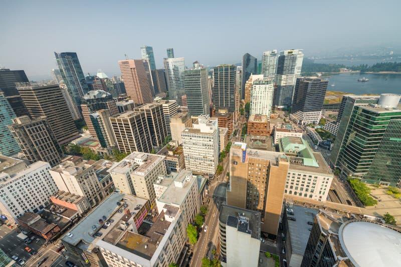 VANCOUVER, CANADÁ - 8 DE AGOSTO DE 2017: Vista aérea del buil céntrico fotos de archivo libres de regalías
