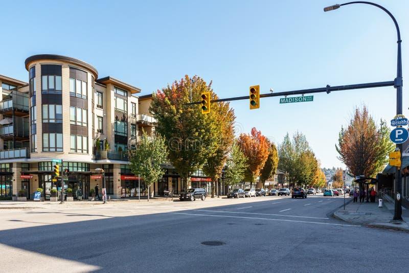 Vancouver, Canadá - 18 de septiembre de 2018: opinión de la calle de la calle ocupada grande de los hastings de la ciudad fotos de archivo