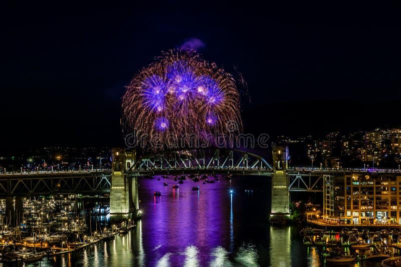 VANCOUVER, CANADA - AUGUSTUS 3, 2019: Honda-de Viering van het Lichte team van Kroatië voert vuurwerk in Vancouver uit stock afbeeldingen