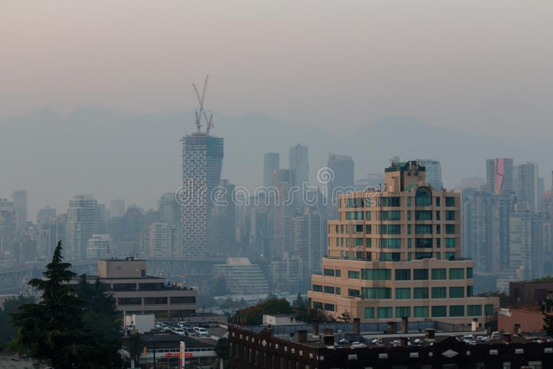 Vancouver, Canada - Circa 2018: Vancouver van de binnenstad als nevel, s stock foto