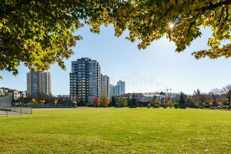 VANCOUVER, CANADA - 13 ottobre 2018: parco in una vicinanza residenziale un giorno di autunno fotografia stock