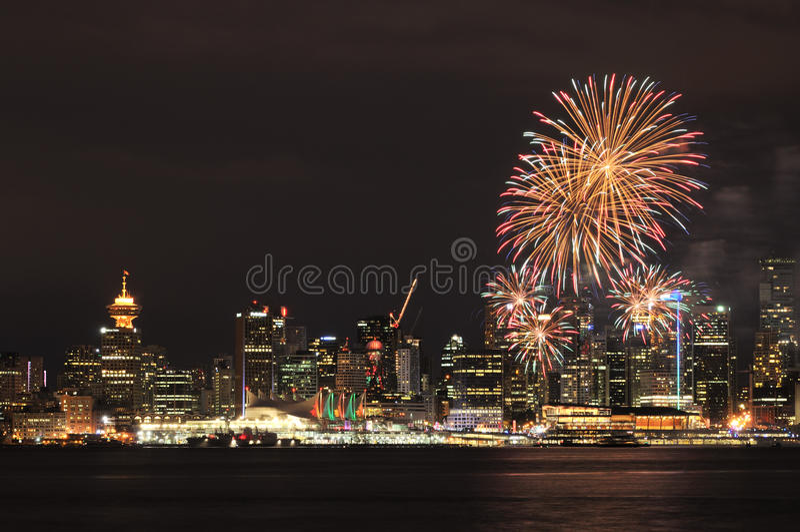 Vancouver del centro con i fuochi d'artificio di giorno del Canada fotografia stock