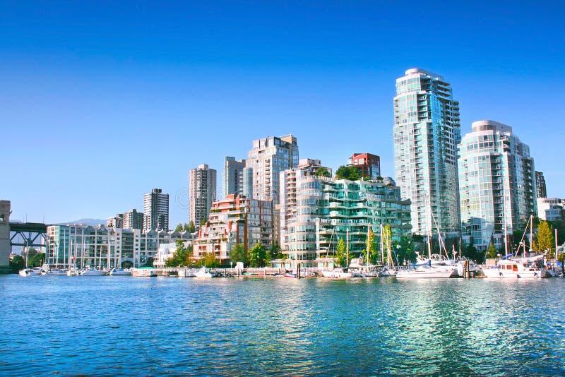 Vancouver i stadens centrum horisont på False Creek, British Columbia, Kanada arkivbild