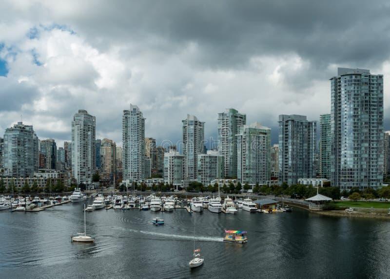 Vancouver linia horyzontu Przegapia Fałszywą zatoczkę obrazy stock