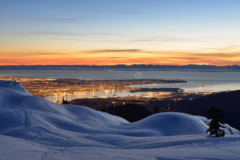 Vancouver nocy pejzaż miejski przeglądać od góry Seymour zdjęcia stock