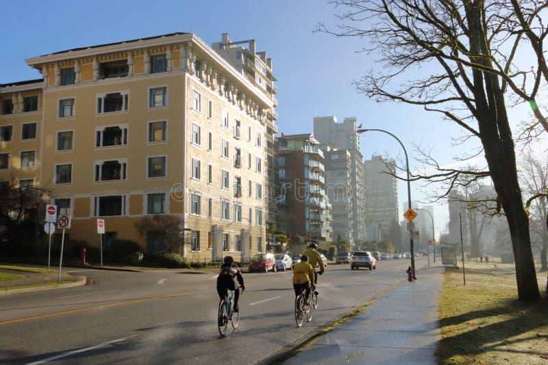 Download Vancouver ` S Westend In De Winter Redactionele Afbeelding - Afbeelding bestaande uit fietsers, plaats: 107706020