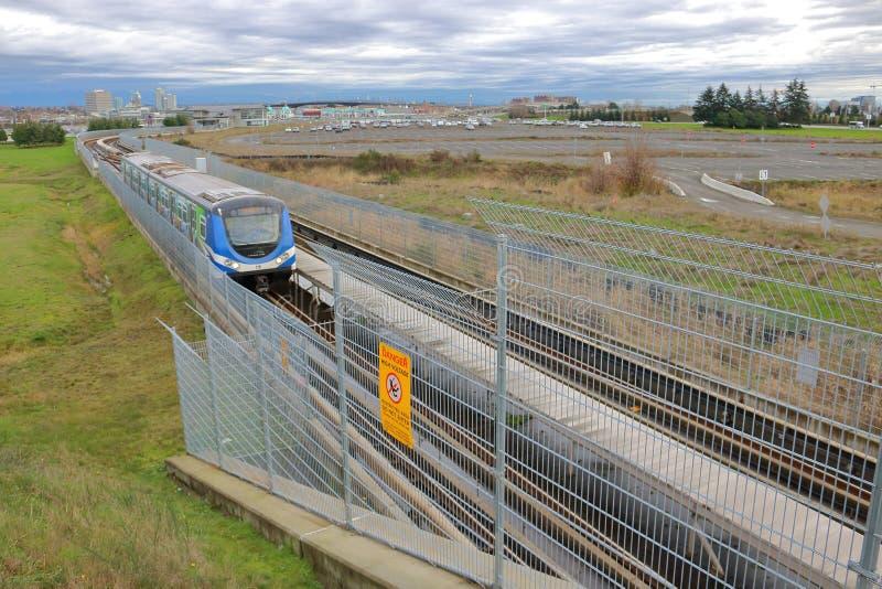 Vancouver Skytrain en Openbare Doorgang stock afbeelding