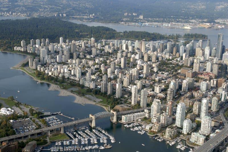 Vancouver stad från skyen arkivbilder