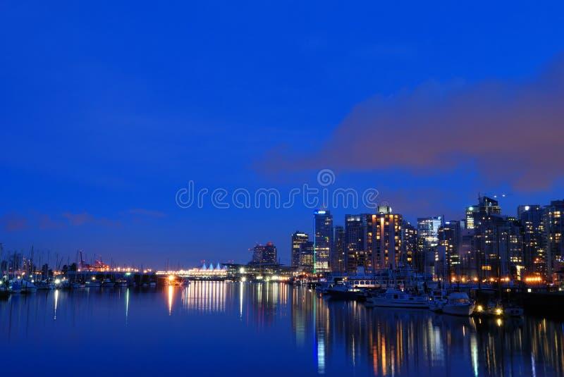 Vancouver van de binnenstad bij nacht royalty-vrije stock foto's