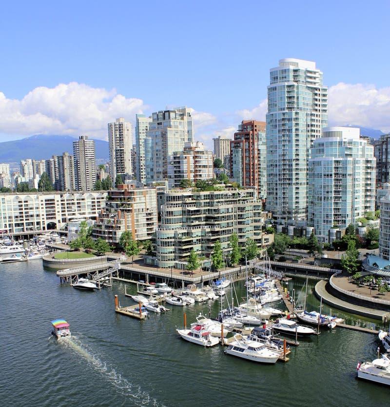 Vancouver y False Creek céntricos fotos de archivo libres de regalías