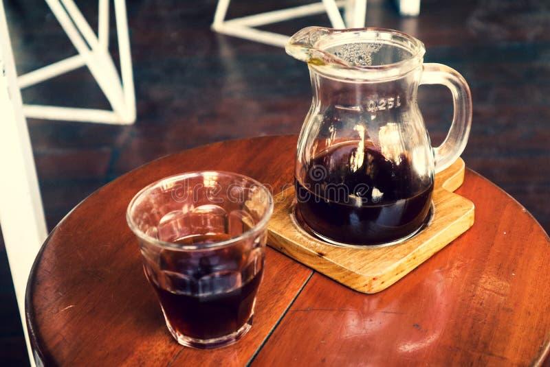 Vandaag brouwend Uw Koffie stock afbeeldingen