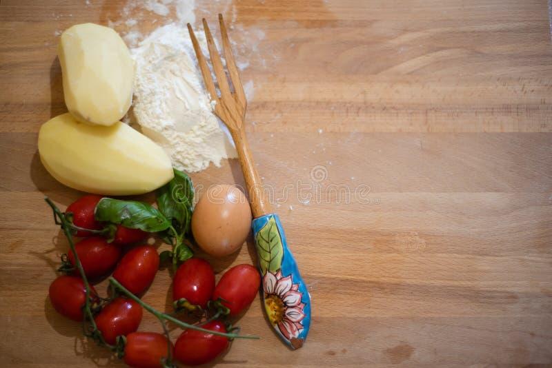 Vandaag, gnocchi! Een zeer goed Italiaans voedsel! stock afbeeldingen