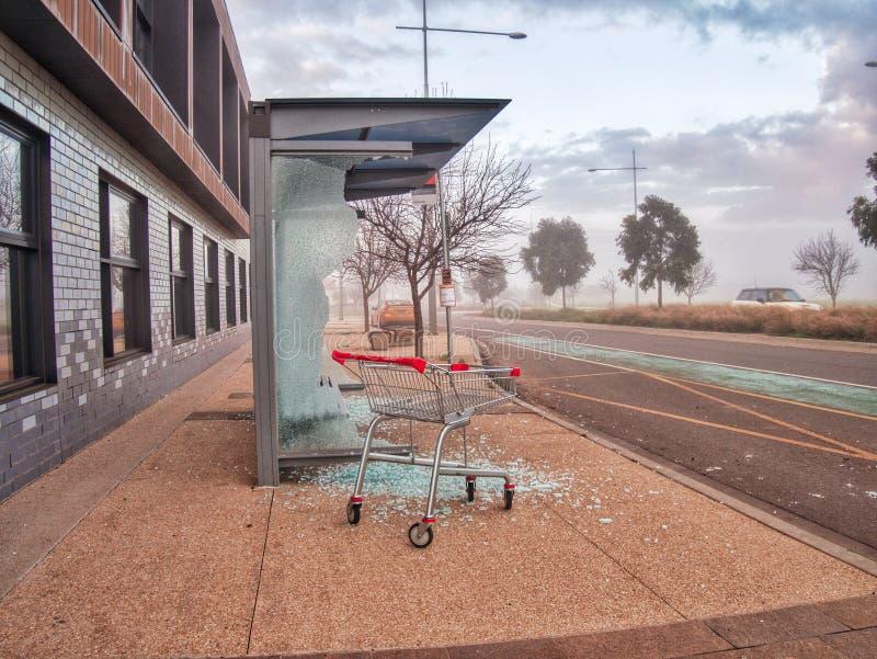 Vandaliserad buskur- och shoppaspårvagn Wollert Victoria Australia royaltyfria foton