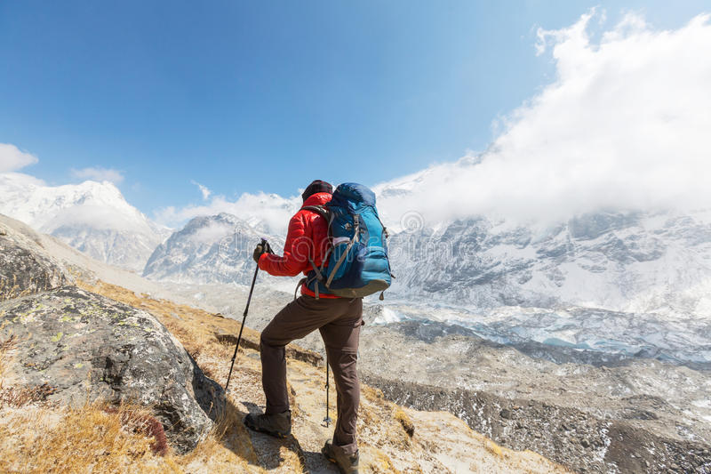 Vandring i Himalayas royaltyfri foto