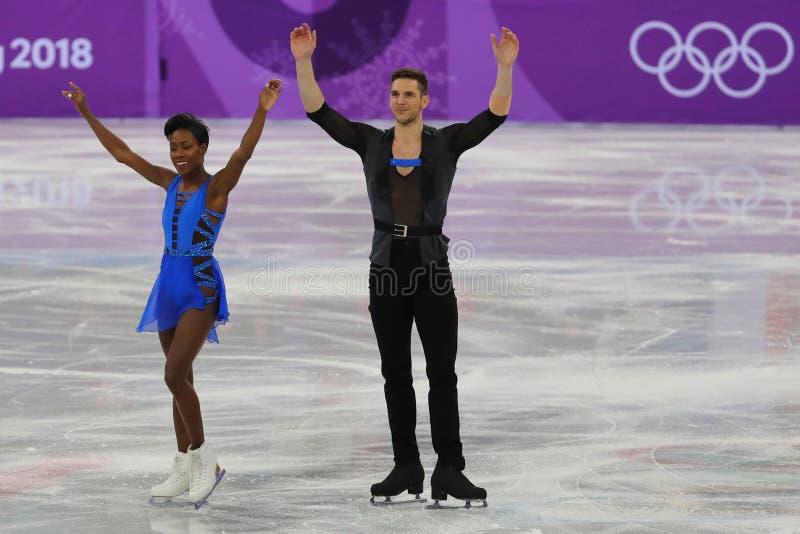 Vanessa James en Morgan Cipres van Frankrijk presteren in het Team Event Pair Skating Short-Programma bij de 2018 de Winterolympi royalty-vrije stock afbeeldingen