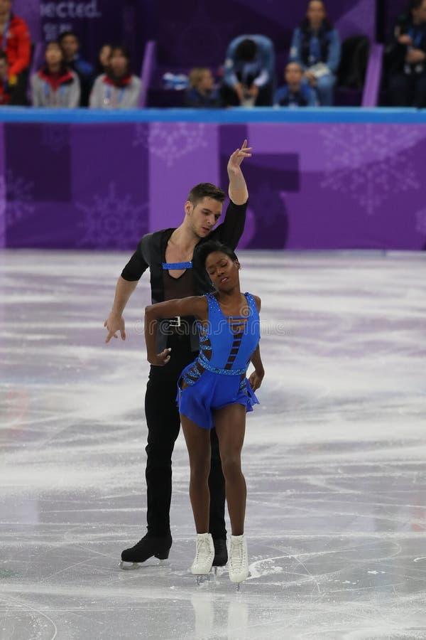Vanessa James en Morgan Cipres van Frankrijk presteren in het Team Event Pair Skating Short-Programma bij de 2018 de Winterolympi stock afbeeldingen