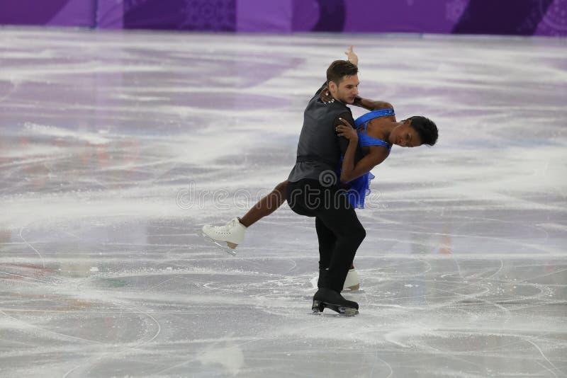 Vanessa James en Morgan Cipres van Frankrijk presteren in het Team Event Pair Skating Short-Programma bij de 2018 de Winterolympi stock foto's