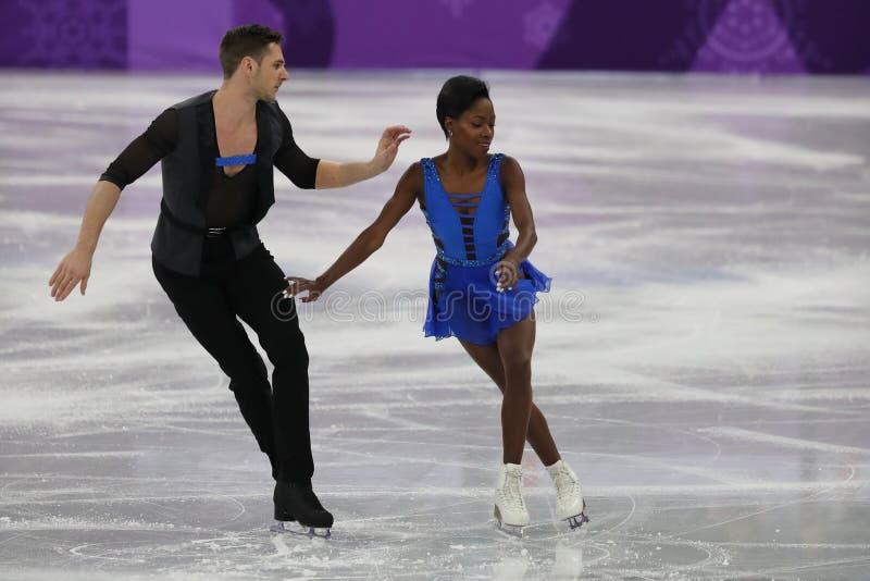 Vanessa James en Morgan Cipres van Frankrijk presteren in het Team Event Pair Skating Short-Programma bij de 2018 de Winterolympi stock foto