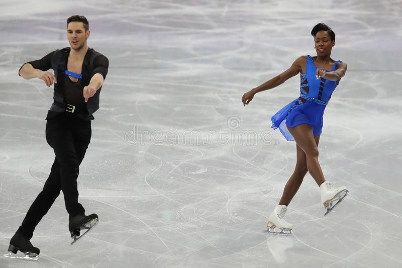 Vanessa James en Morgan Cipres van Frankrijk presteren in het Team Event Pair Skating Short-Programma bij de 2018 de Winterolympi stock fotografie