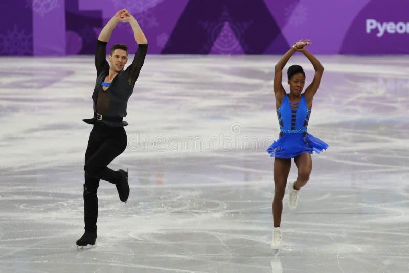 Vanessa James en Morgan Cipres van Frankrijk presteren in het Team Event Pair Skating Short-Programma bij de 2018 de Winterolympi royalty-vrije stock fotografie