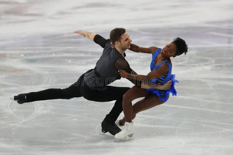 Vanessa James i Morgan Cipres Francja wykonujemy w Drużynowym wydarzenie pary łyżwiarstwa skrótu programie przy 2018 zim olimpiad obraz royalty free