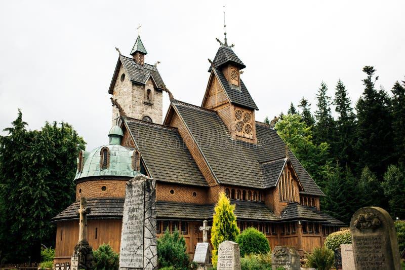 Vang ударяет церковь стоковые изображения rf