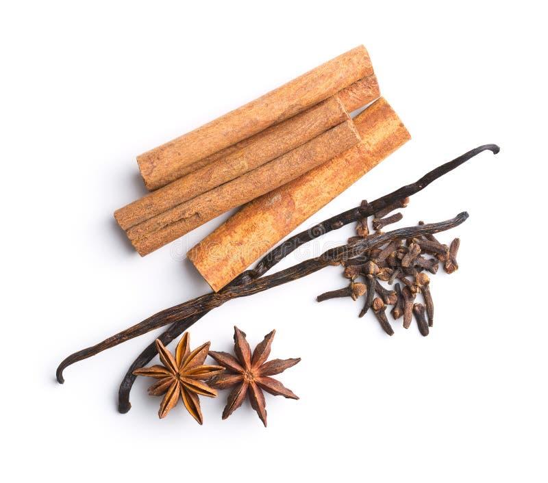 Vanilj-, kanel-, kryddnejlika- och anisstjärna arkivfoton