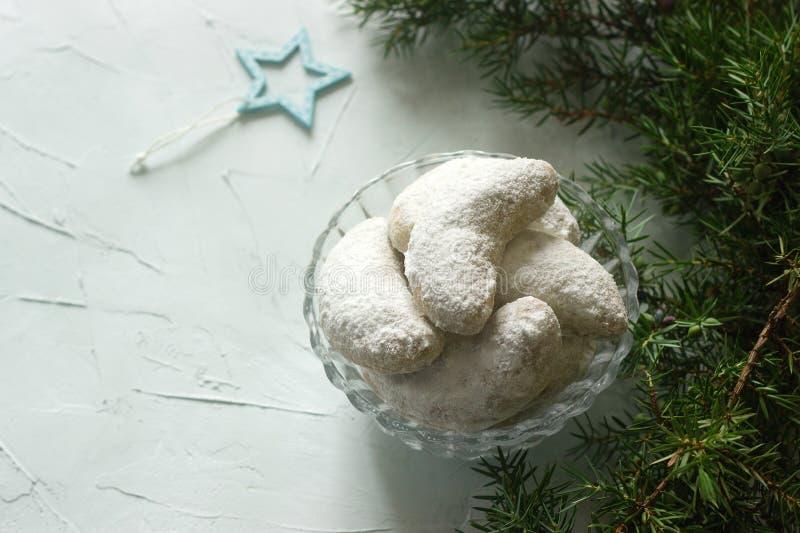 Vanilkipferl - Vanillehalbmonde, traditionelle Weihnachtsplätzchen in Deutschland, Österreich, Tschechische Republik lizenzfreies stockbild