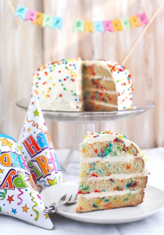 Vanille besprüht Kuchen. stockbilder