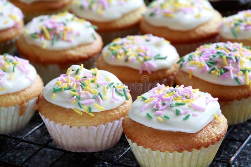 Vanille Cupcakes royalty-vrije stock afbeelding