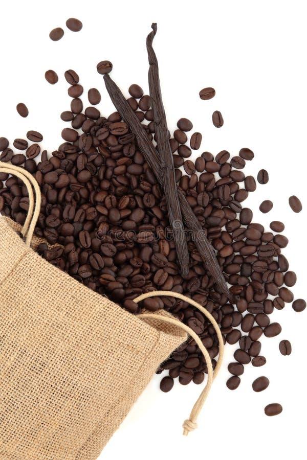 Download Vanille und Kaffeebohnen stockfoto. Bild von nahrung - 26368350
