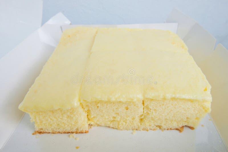 Vanillekuchen setzte sich in Weißbuchkasten, Thailannd-Nachtisch lizenzfreies stockfoto