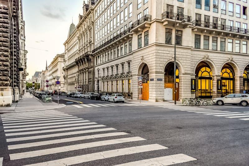 Vanlig gata i Wien Österrike fotografering för bildbyråer