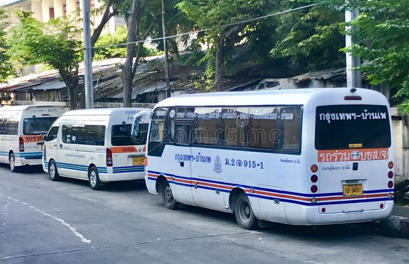 Vans blancs en Thaïlande photos stock