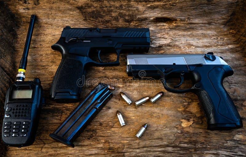 Vapen som har båda fördelar och nackdelar royaltyfri bild
