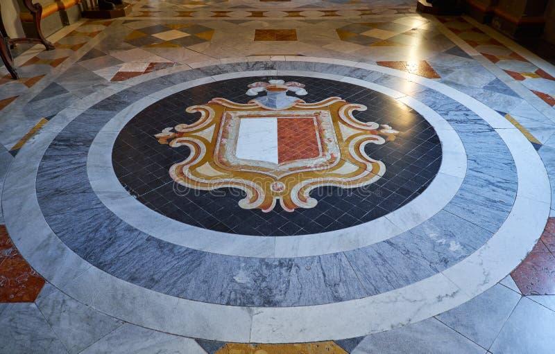 Vapensköld av Malta Slott för Grandmaster` s valletta malta royaltyfria foton