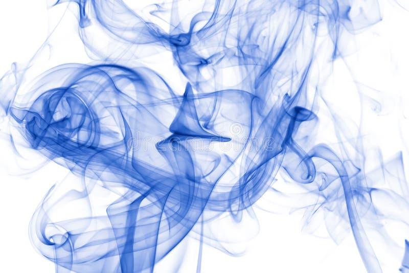 Vapeur bleue sur le fond blanc photos stock