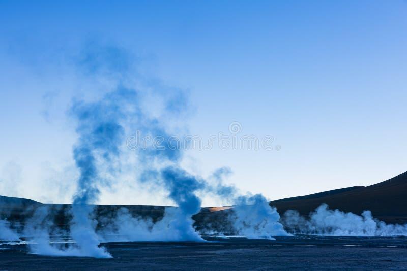 Vapeur des geysers dans la réserve nationale de flamenco de visibilité directe photo stock