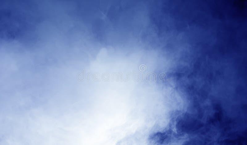 Vapeur sur le fond bleu photos libres de droits