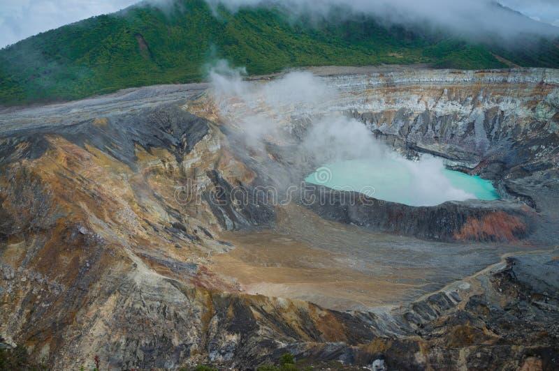 Vapeurs de volcan de Poas photo stock