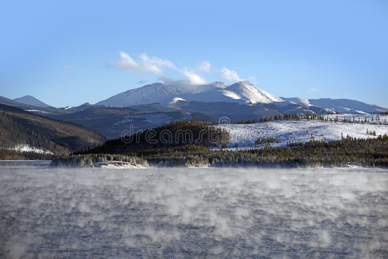 Vapor de água do lago no inverno foto de stock