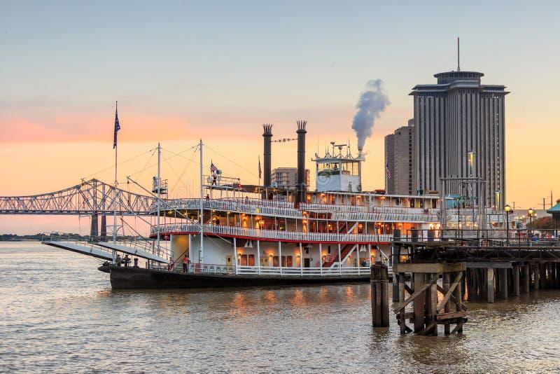 Vapore di pagaia di New Orleans in fiume Mississippi a New Orleans fotografia stock libera da diritti