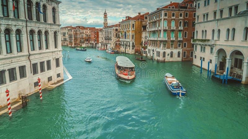 Vaporetto en Architectuur op Grand Canal, Venetië, Italië stock afbeelding