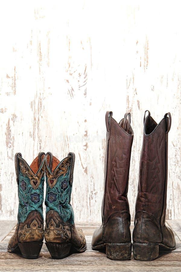 Vaqueira do rodeio e vaqueiro ocidentais americanos Boots Pair fotos de stock royalty free