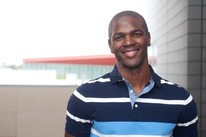 Varón joven del afroamericano fotos de archivo