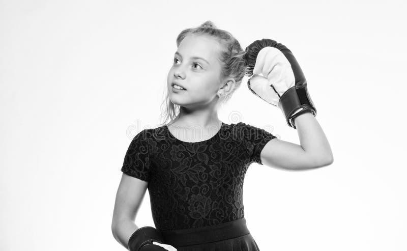 Var stark Uppfostran f?r ledarskap och vinnare Stark barnboxning Sport- och h?lsobegrepp Boxas sporten f?r kvinnlig royaltyfri bild