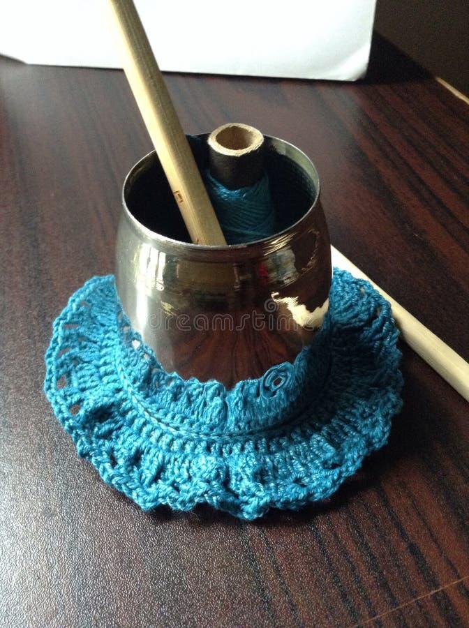 Vara de bambu com fio no suporte de prata imagens de stock royalty free