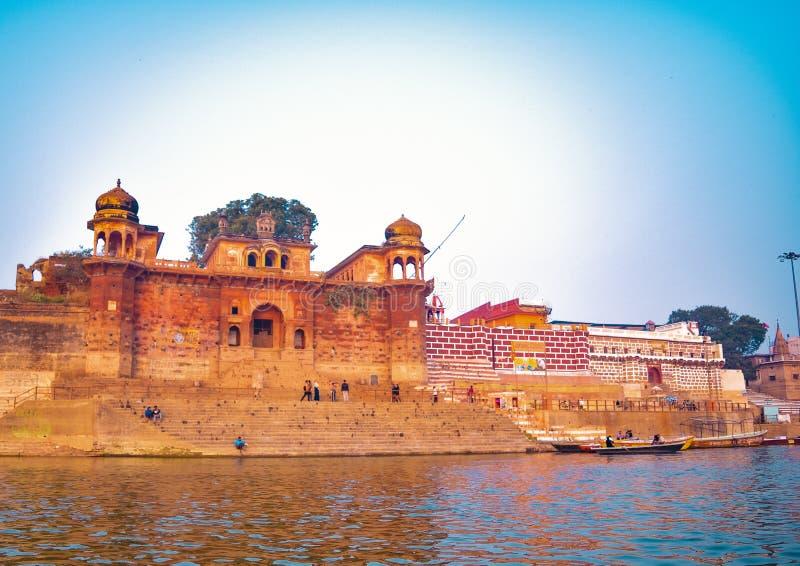 Varanasi eller Banaras ganga ghat, Uttar Pradesh, Indien arkivfoton