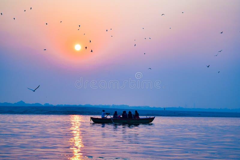 Varanasi eller Banaras ganga ghat, Uttar Pradesh, Indien fotografering för bildbyråer